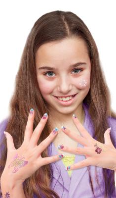 Des tatouages pour la peu et pour les ongles